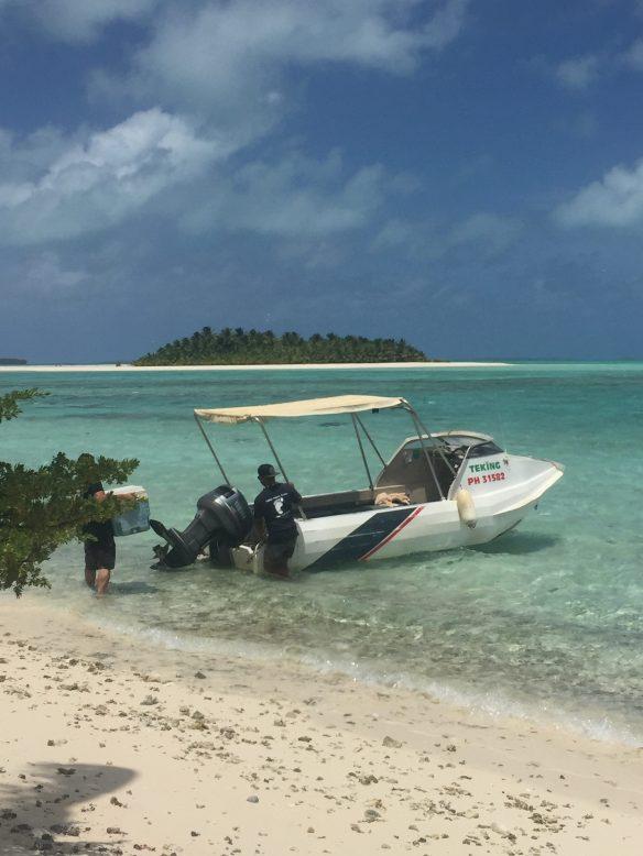 lagoon-boat