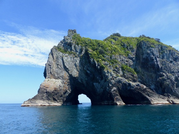 hole-in-the-rock-2